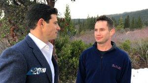 Il giornalista Matt Gutman della ABC e Keith Papini